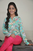 Aishwarya photo shoot gallery-thumbnail-15