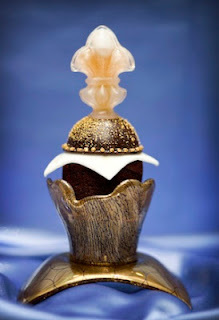 The Decadence D'Or cupcake $750