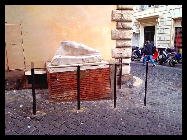 Marmurowa stopa w Rzymie