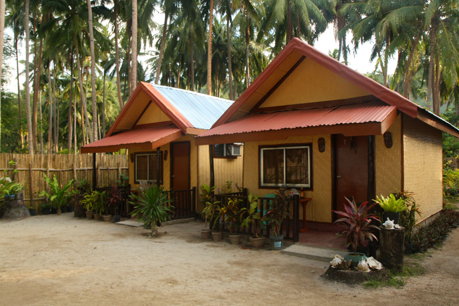 Mustachioventures telesfora beach cottage in corong corong for Beachfront cottage