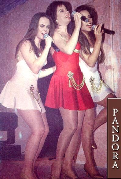 Pandora cantando mas jóvenes