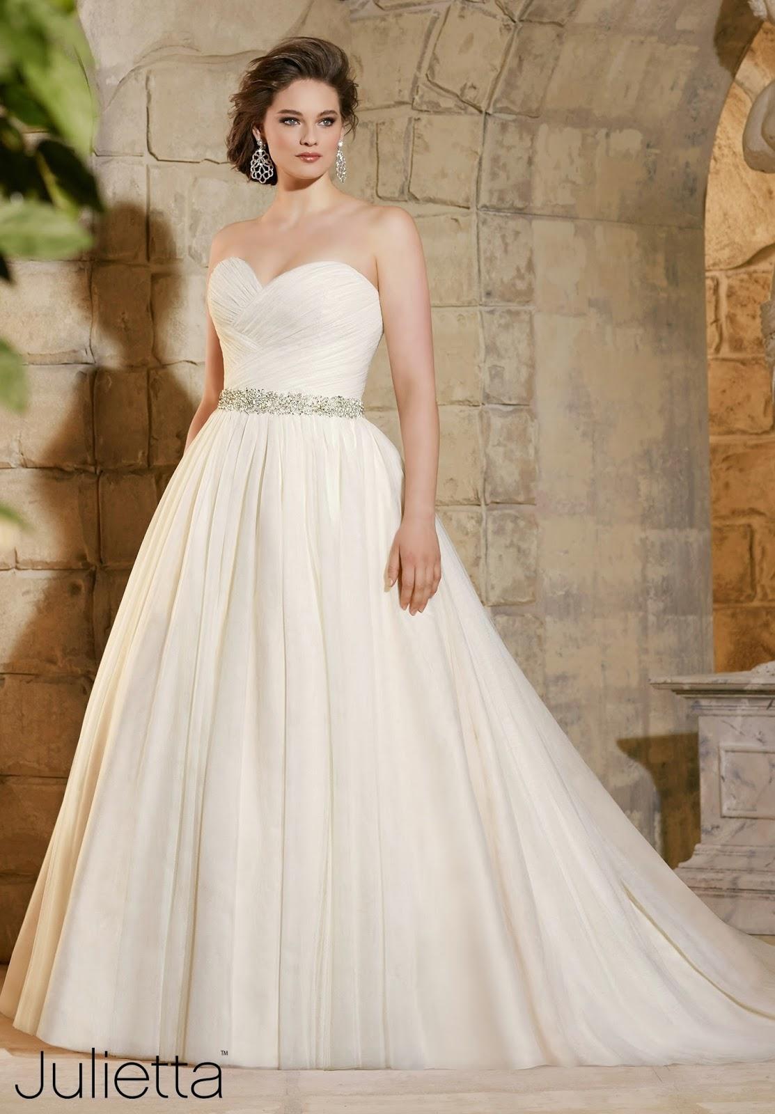 Best Wedding Gowns Under 1000, Designer Wedding Gowns 2015, 10 Wedding Dresses Under 1000, Wedding Gown Designers List, Boho Wedding Dresses Under 1000, Best Designer Wedding Dresses, Celebrity Wedding Dresses, Lace Wedding Dresses Under 1000