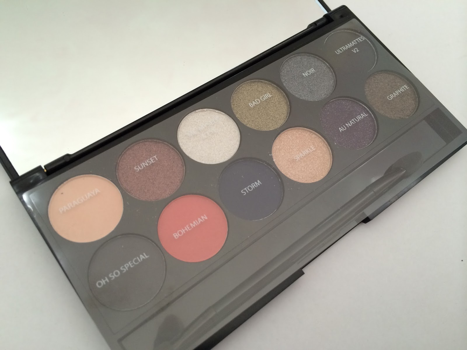 Sleek Showstoppers Palette Superdrug Celebrating i-Divine Limited Edition Eyeshadow Palette
