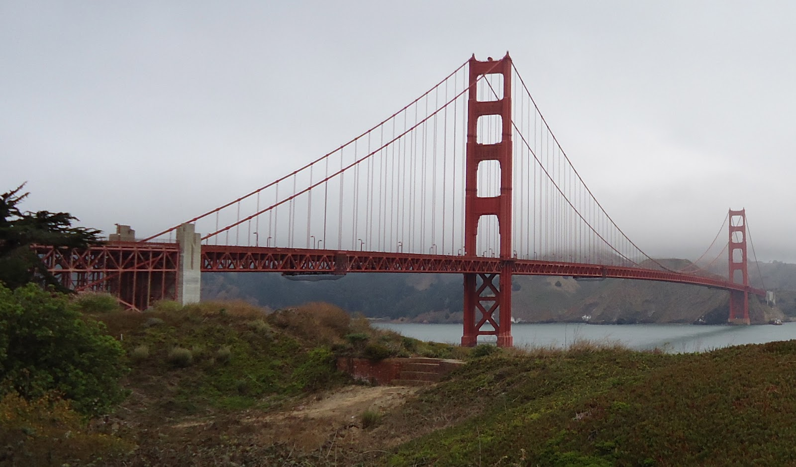 the golden gate bridge essay The golden gate bridge that was completed in 1937 is a suspense on bridge connecting the san francisco bay with the pacific ocean the golden gate bridge is considered to be a globally renowned representation of san francisco and california.