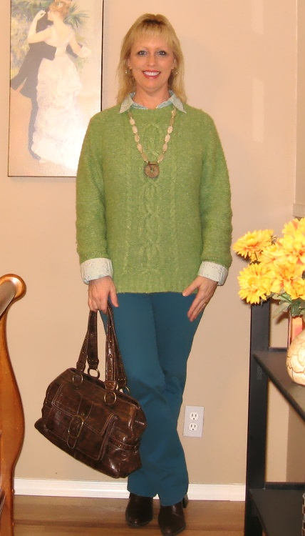 turquoise jeans with green sweater