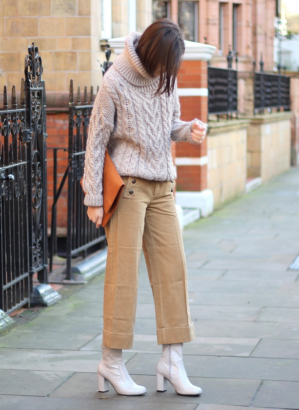 peexo fashion blogger styling neutral outfit