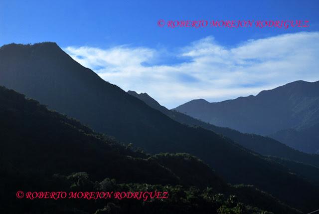 Laderas de montañas en la Sierra Maestra/ Mountain slopes in Sierra Maestra, Cuba