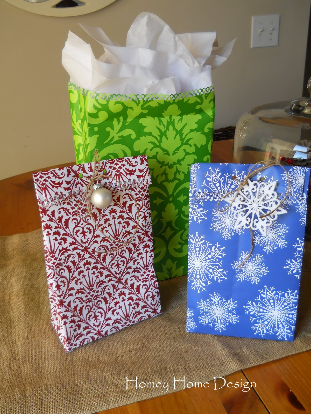 Homey home design how to make gift bags out of wrapping paper for How to wrap presents with wrapping paper