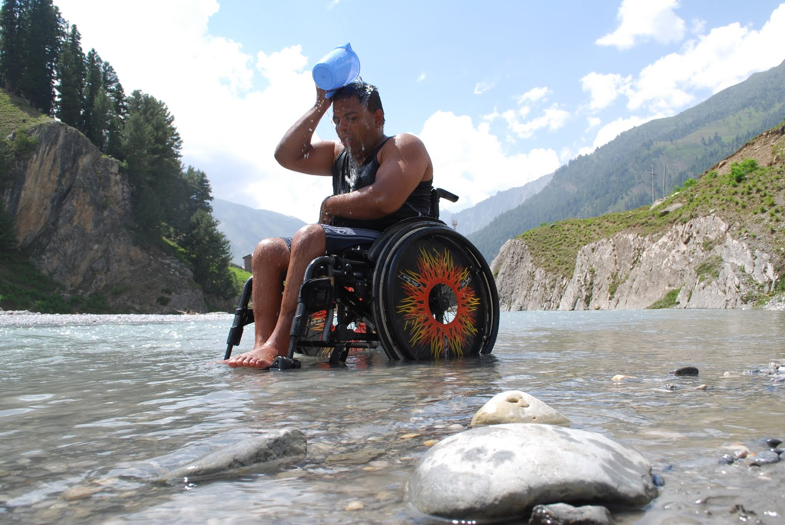 c&s are usually accessible coz there r no stairs in front of the tents and u can have a bath in the river. just that the water is freezing cold ... & Accessible India: wheelchair accessible ladakh trip for wheelchair ...