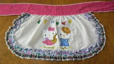avental para festa junina com pintura da hello kitty