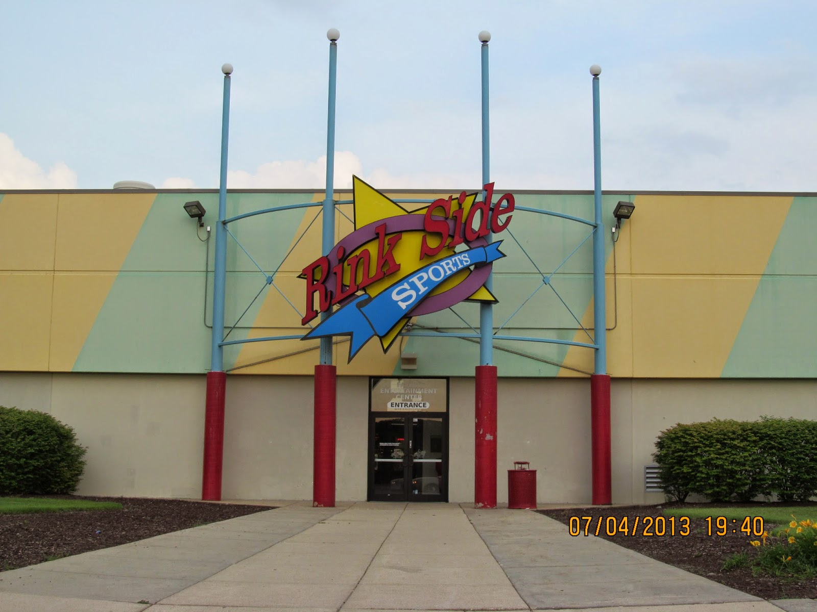 Located midway between Chicago and Milwaukee, Gurnee Mills is an indoor mall that has more than outlet and retail stores, popular restaurants and entertainment options for the family, with activities like a mirror maze, inflatables and a movie theater.