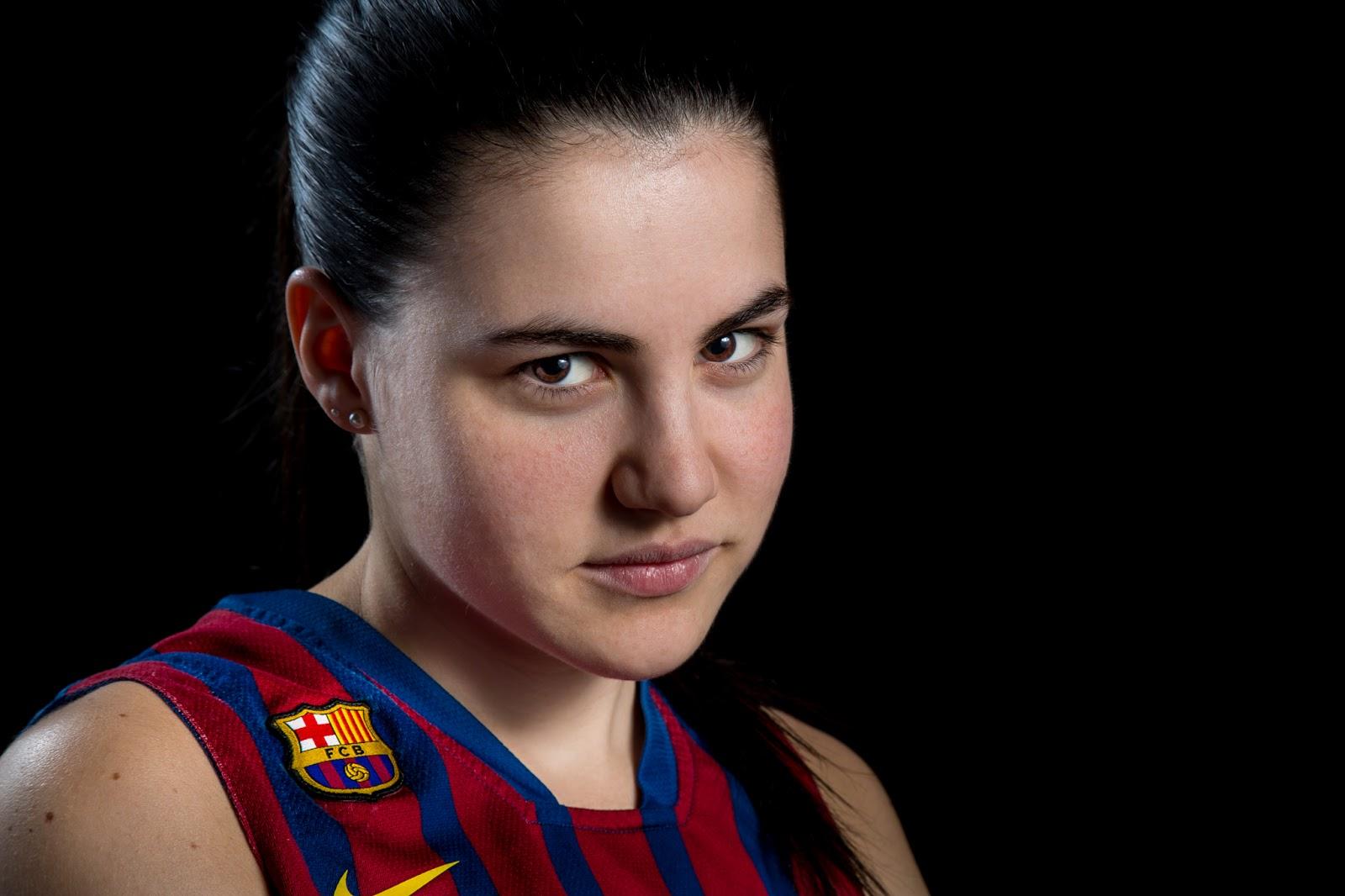 PROCESADO ESCOGIDO :: Júlia 14 - CBS Barça Senior Femenino A - 2013 :: Canon EOS 5D MkIII | ISO100 | Canon 24-105 @96mm | f/11 | 1/60s
