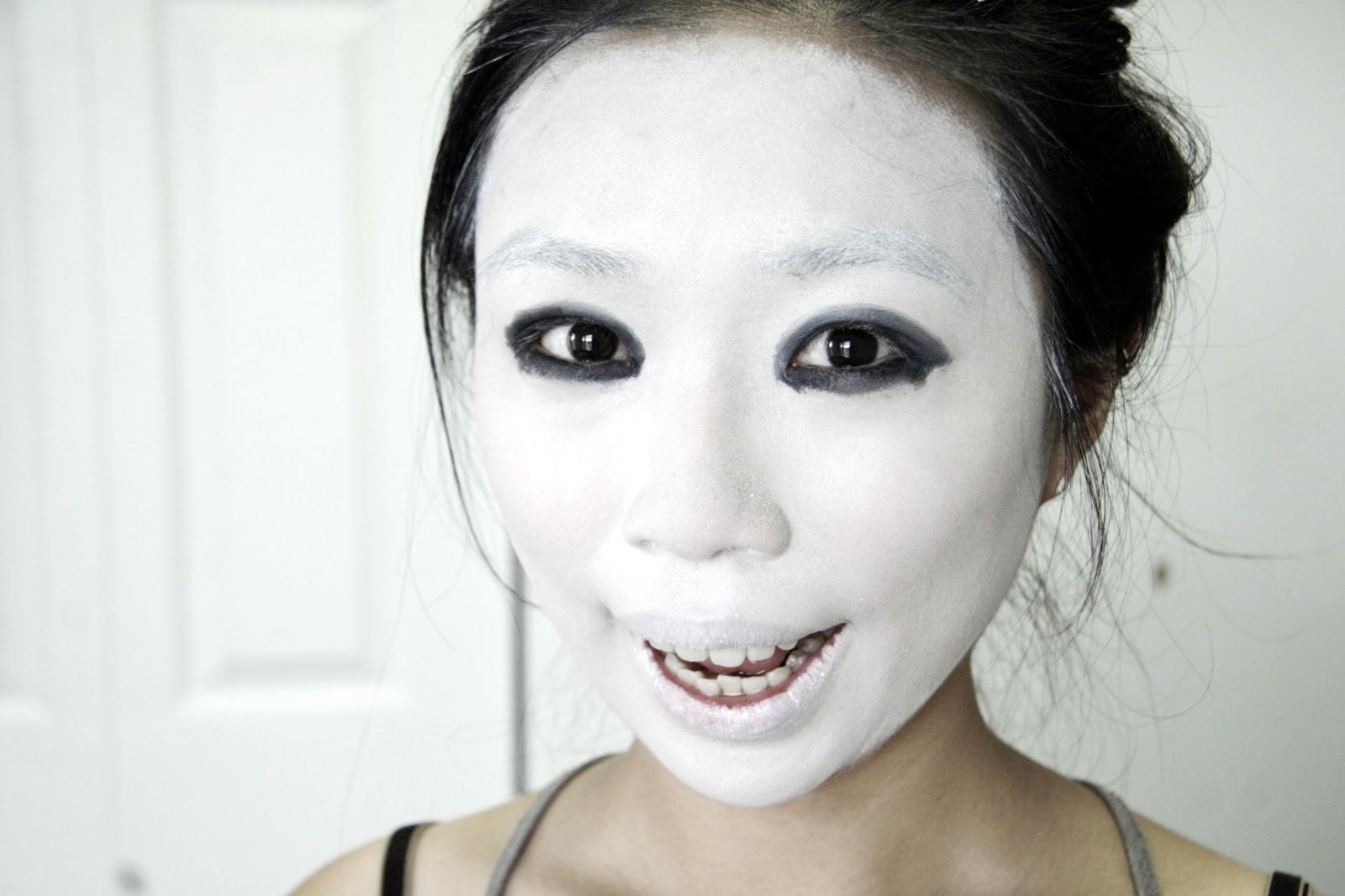 fun size beauty: #HALLOWEEN  American Horror Story Asylum - White And Black Halloween Makeup