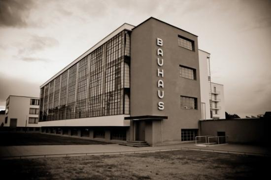Bloog le bauhaus for Bauhaus replica deutschland