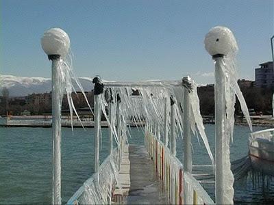 Lago di Ocrida in inverno (Pogradec, Albania)