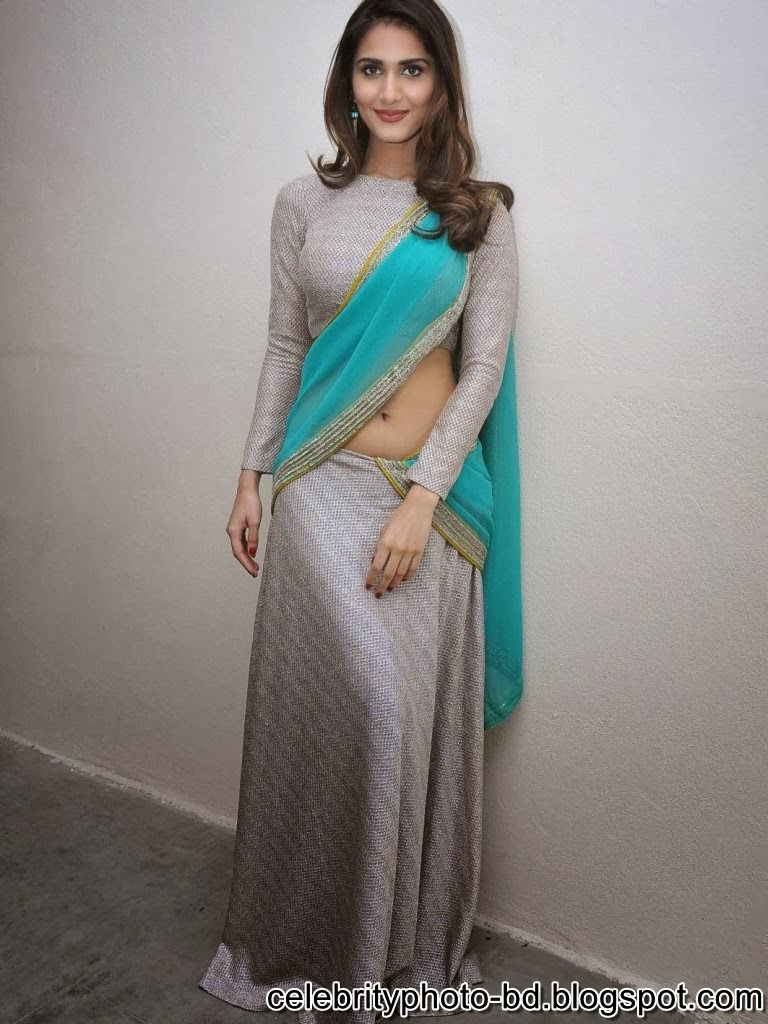 vaani+kapoor+hot+navel+photos+at+aaha+kalyanam+movie+press+meet005