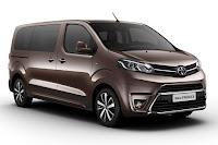 Toyota ProAce MPV (2016) Front Side