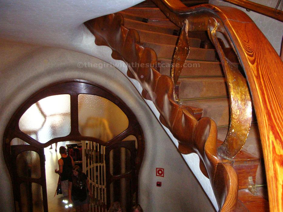Casa battl elogio alla sinuosit for Piani di casa con seminterrato sciopero sul retro