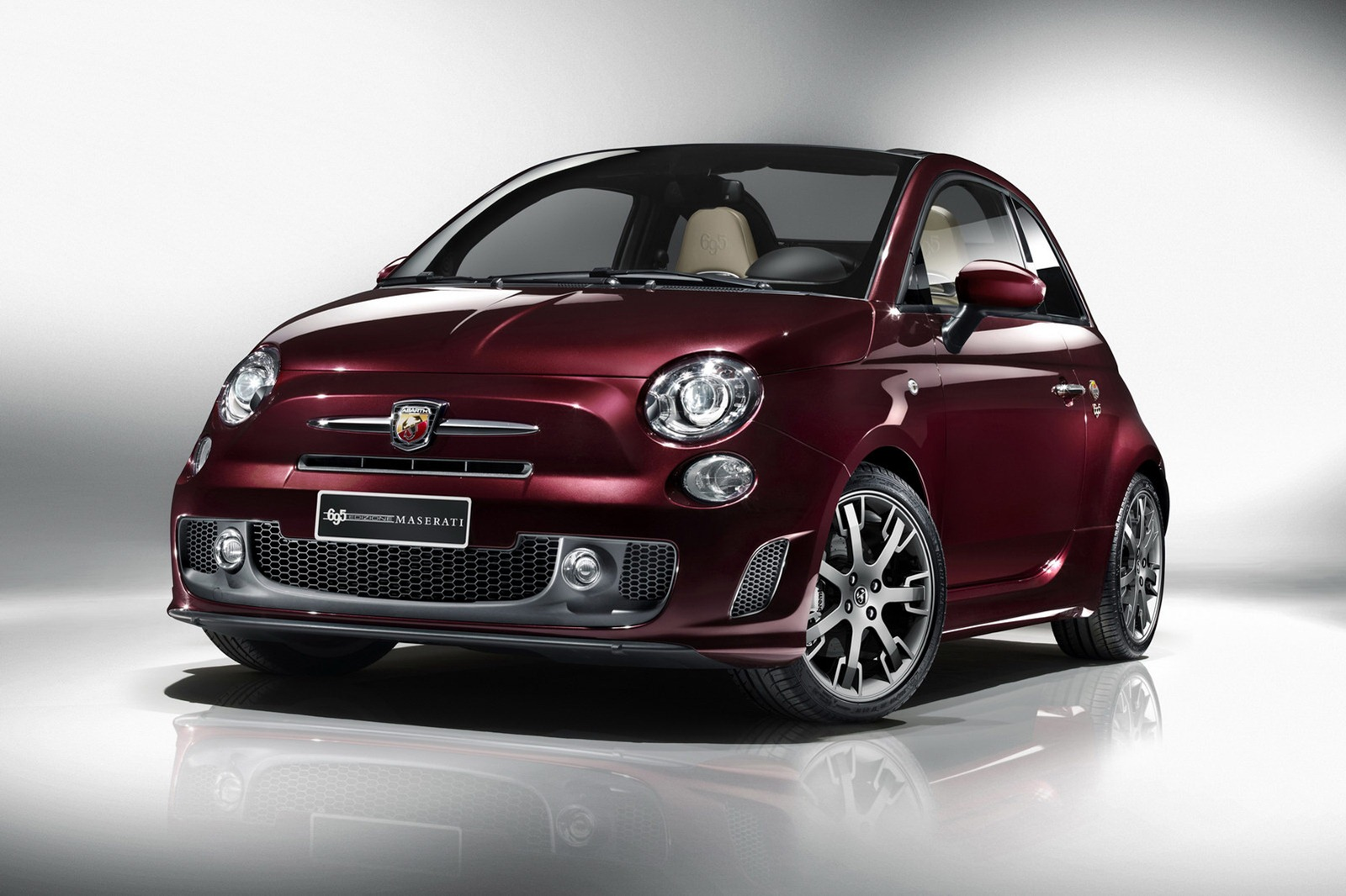 http://4.bp.blogspot.com/-8QcPXSDOW3g/T7ywPVEQ-YI/AAAAAAAAgi0/XDoKpHHvxtE/s1600/Fiat-Abarth-004-Maserati-Edition-4%255B2%255D.alt=