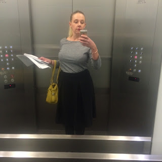 lift selfie, outfit shot
