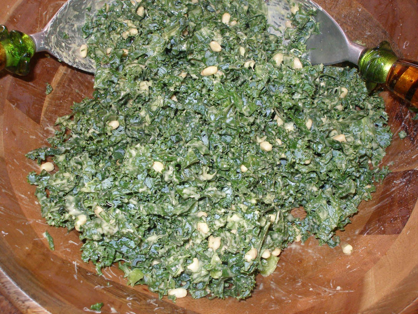 Emily's Fresh Kitchen – Kale salad with garlic dressing