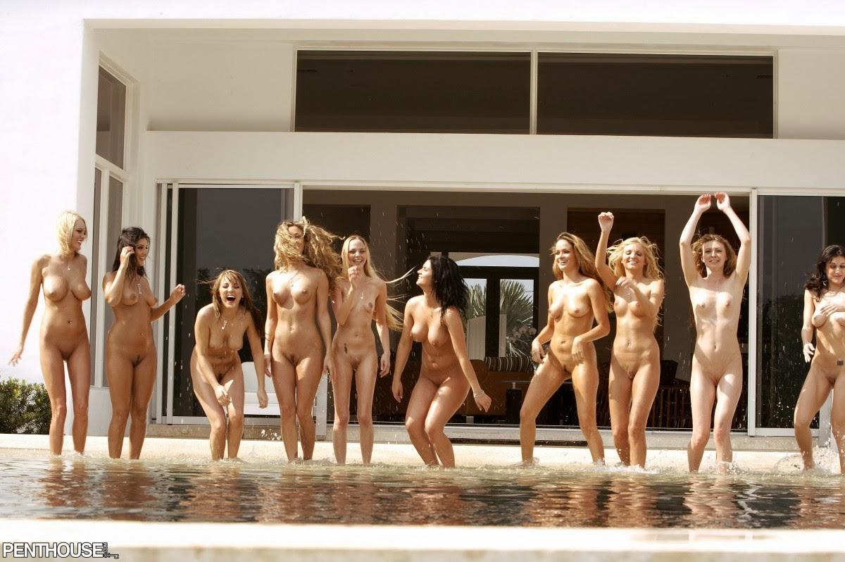 Смотреть фотогалереи голых девушек 21 фотография