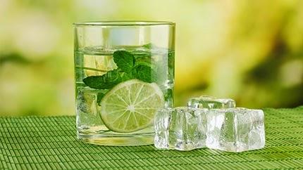 شراب الليمون, شراب الليمون بالنعناع, النعناع, فوائد النعناع, منشط للقلب, الطب البديل, صحة,