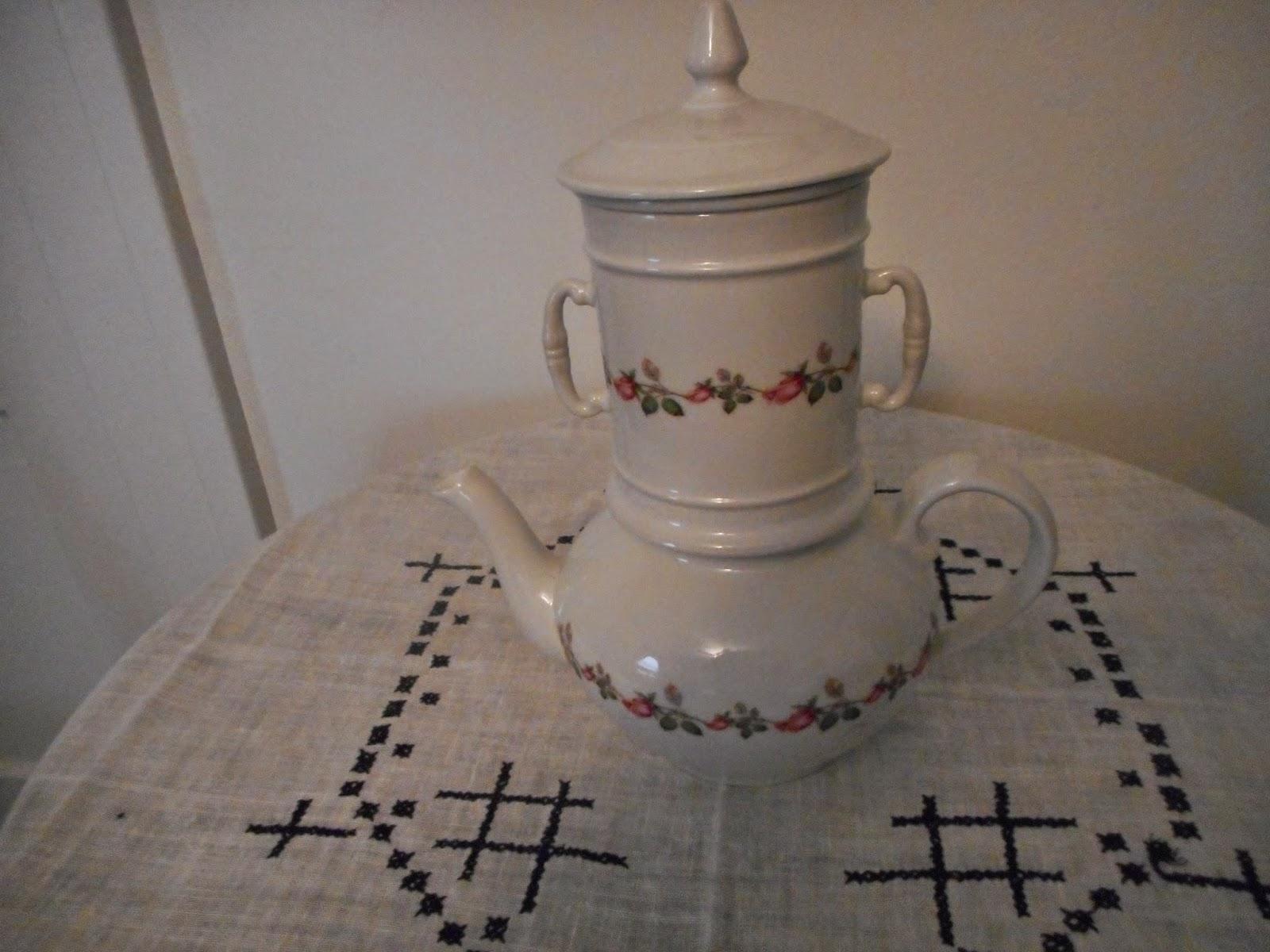 Tea At Gail 39 S Unusual Teapot Find