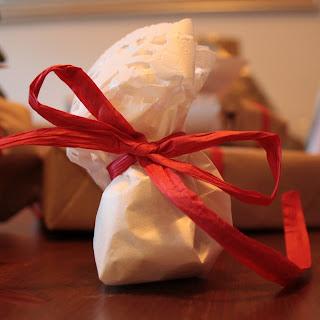 DIY Doilies Christmas gift wrap