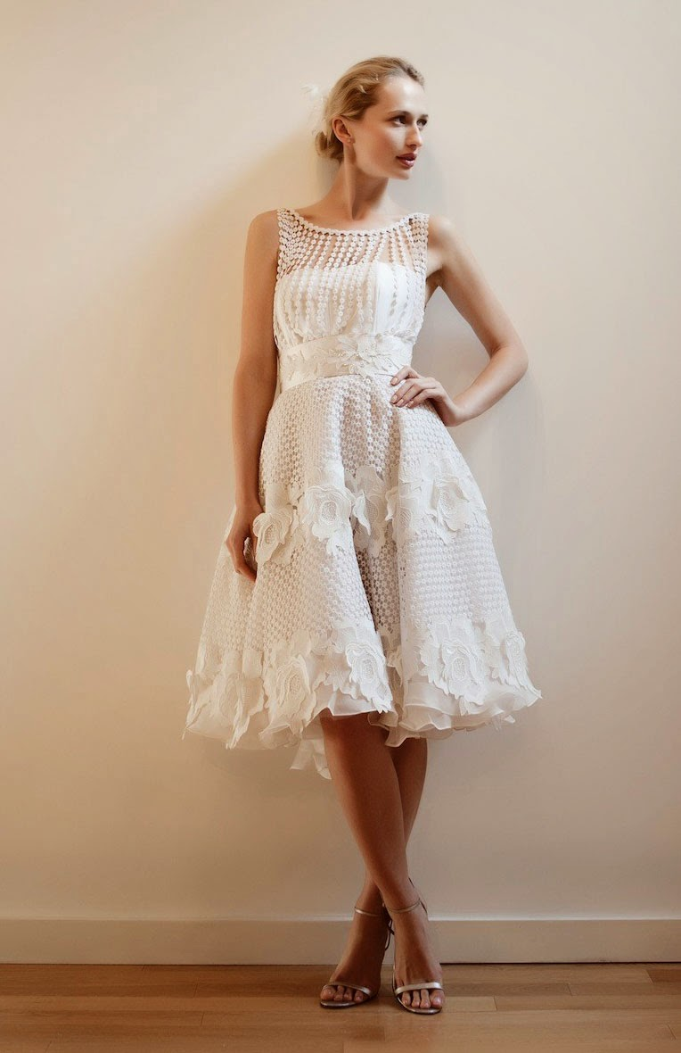 Short ivory halter style wedding dresses photos concepts ideas for Short ivory wedding dress