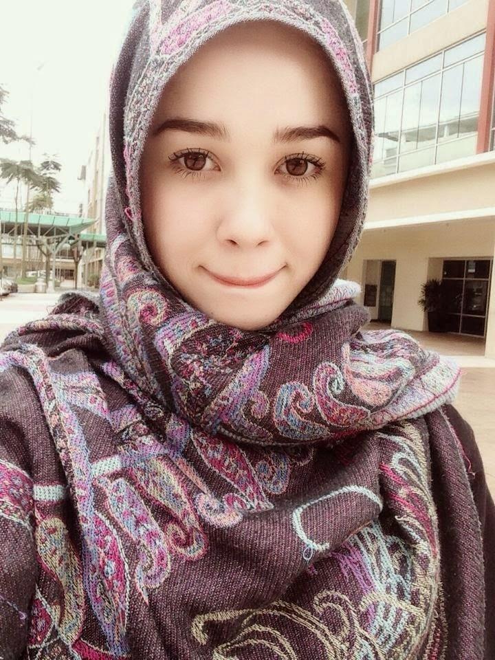 100 Most Beautiful Face 2014: Emma Maembong Berada di Tangga ke 71 ...