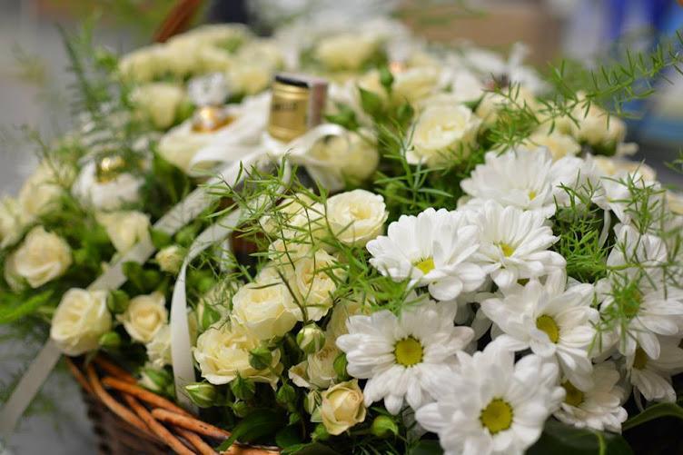 БУКЕТИ ОТ БОНБОНИ * S Line - chocolate bouquets * flowers * gifts