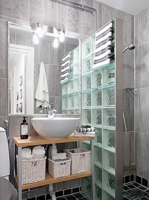 Decoraci n f cil ba os con muro paves for Fotos cuartos de bano con paves