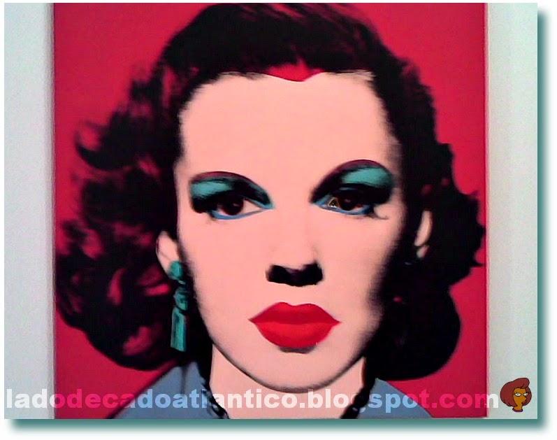Foto da tela com o desenho pop art da atriz Judy Garland de autoria de Andy Warhol, do acervo do Centro Cultural de Belém, Lisboa