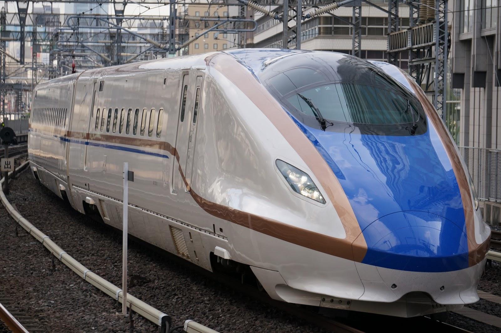 東京駅に入線するE7系新幹線