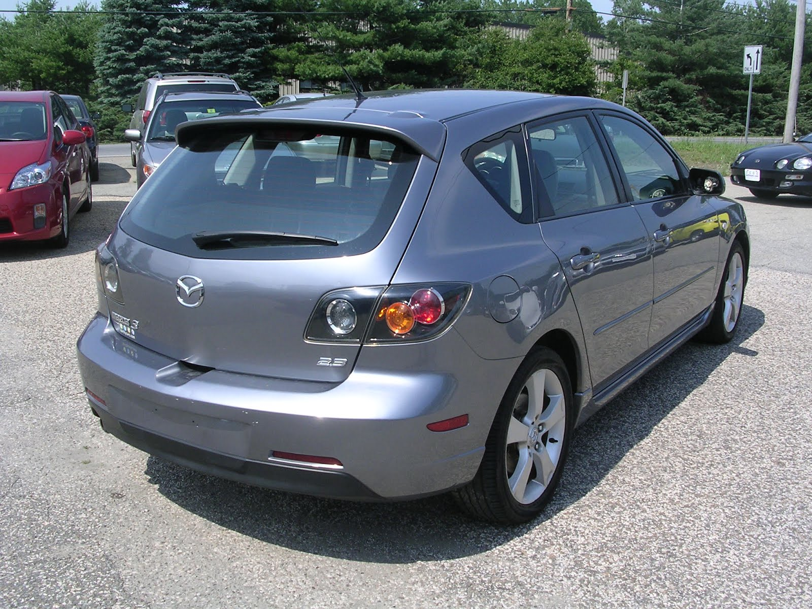 earthy cars blog earthy car of the week 2005 mazda mazda3. Black Bedroom Furniture Sets. Home Design Ideas