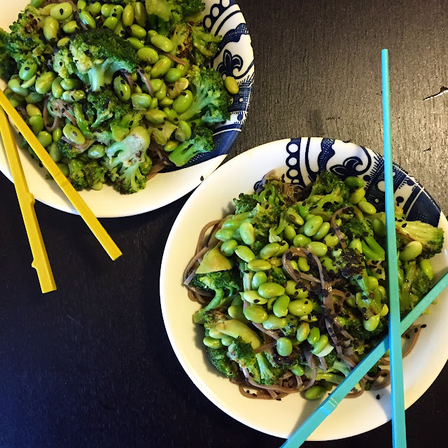 soba noodle bowl, broccoli, edamame, healthy, vegetarian