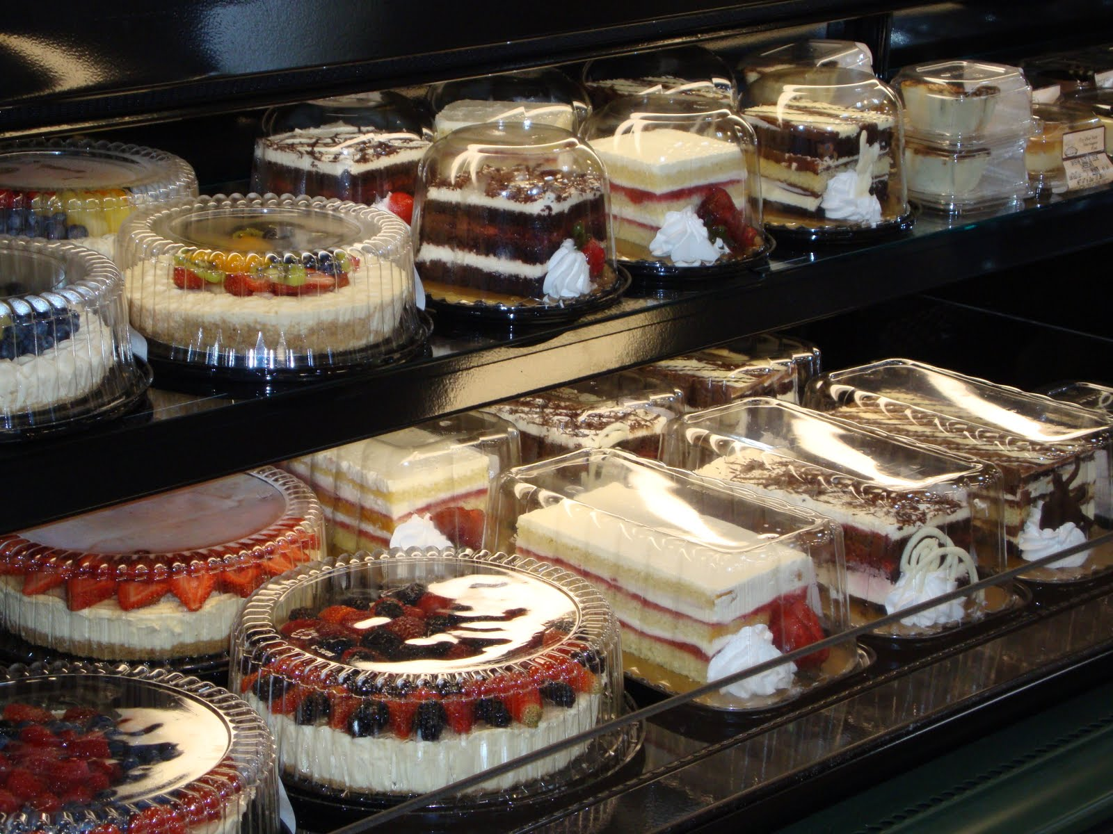Kroger Cakes http://joycelansky.blogspot.com/2011/06/wordless-wednesday-cake-in-rain.html
