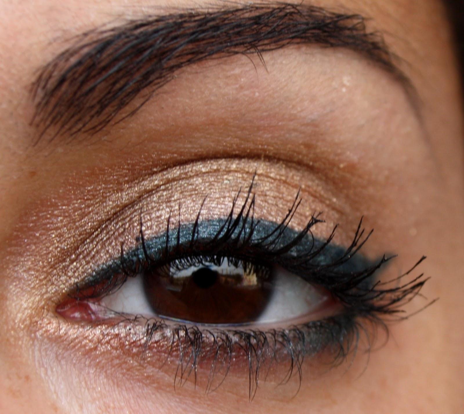 make up by linoa maquillage d 39 t eyeliner vert sur fard dor. Black Bedroom Furniture Sets. Home Design Ideas