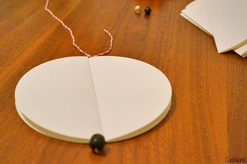 cuchikind diy blog basteln und n hen f r kinder weihnachtsdeko aus papier. Black Bedroom Furniture Sets. Home Design Ideas