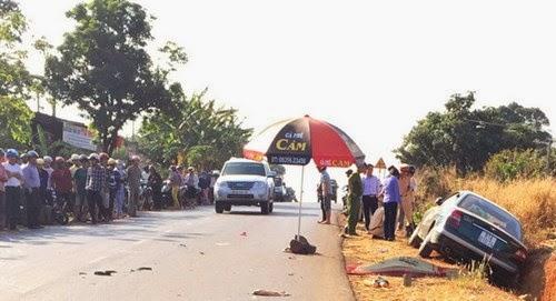 Gia Lai: Xế hộp tông xe máy, hai vợ chồng tử vong