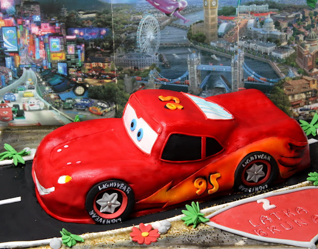 Lightning McQueen Birthday Cake London