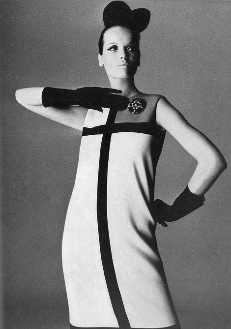 Veruschka in Mondrian dress Irving Penn Vogue U.K. Sept 1965