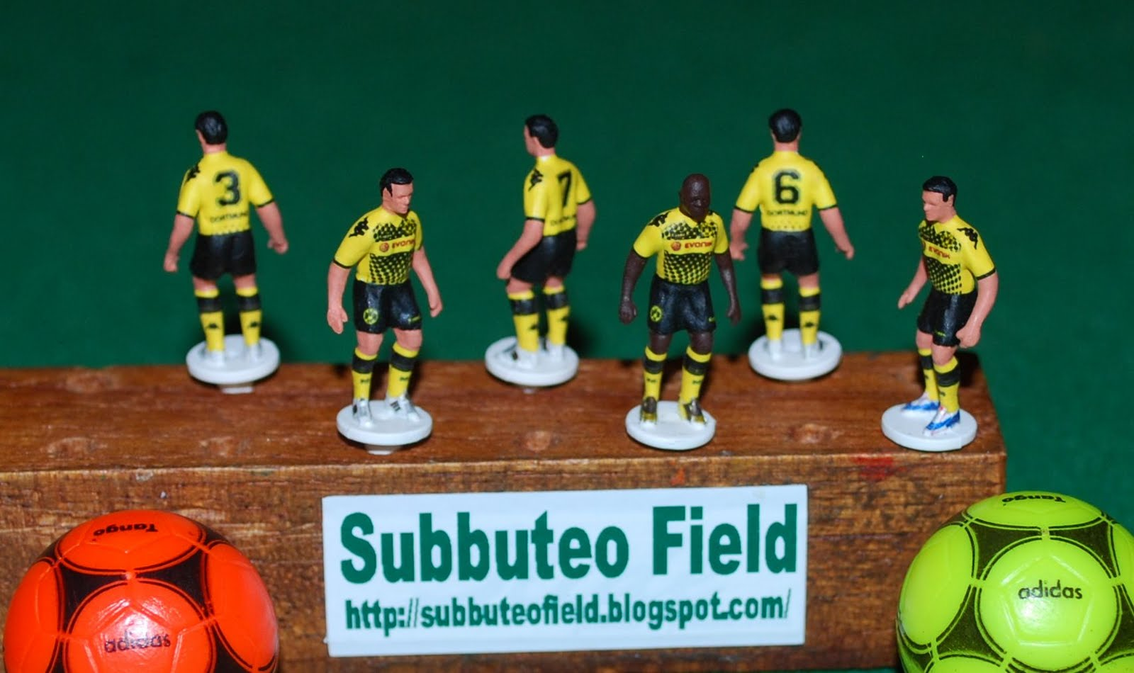 Subbuteo Field  New Decal Team   Borussia Dortmund