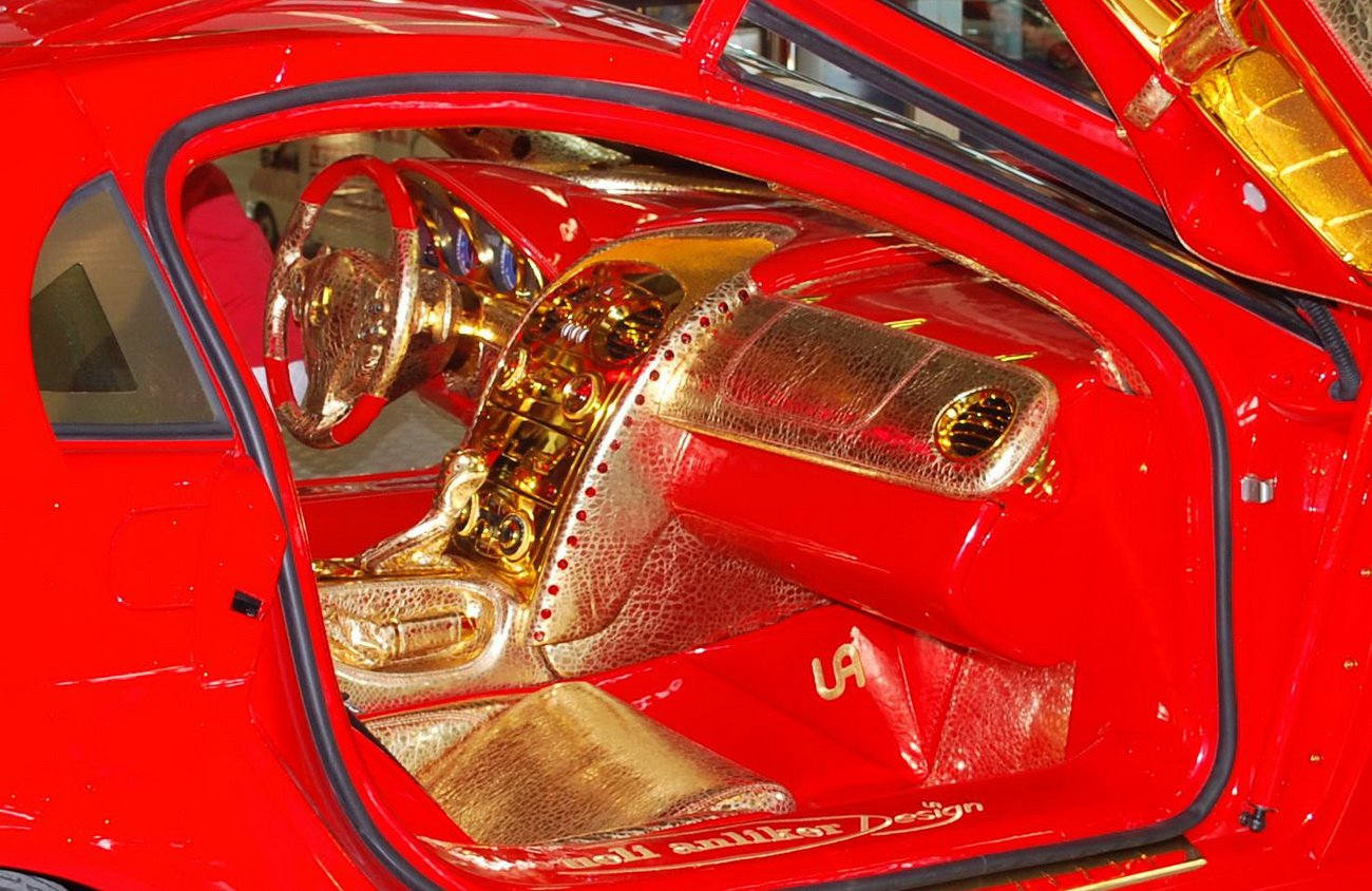 http://4.bp.blogspot.com/-8Tc3gPwnZ1s/TuMgGVpCEVI/AAAAAAAApN8/H9zs9Gs8m7U/s1600/Mclaren+Mercedes+Benz+SLR+de+oro2.JPG