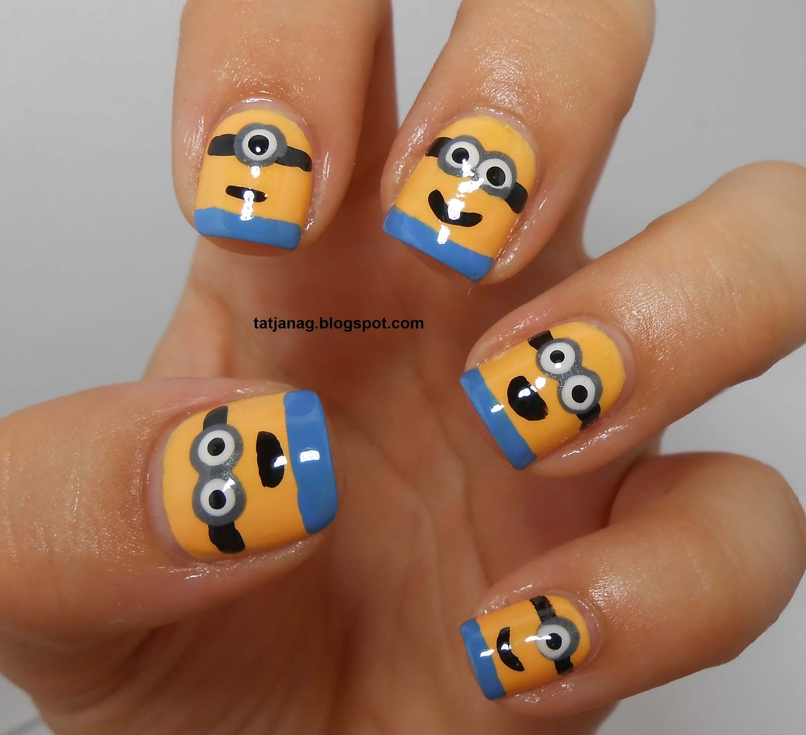 Nail designs minions beautify themselves with sweet nails minions nails tayas blog prinsesfo Choice Image