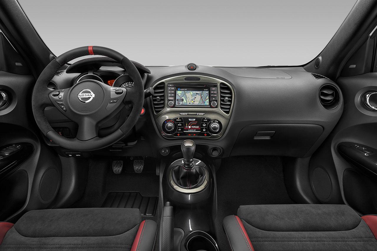 Nissan Juke Nismo RS dash