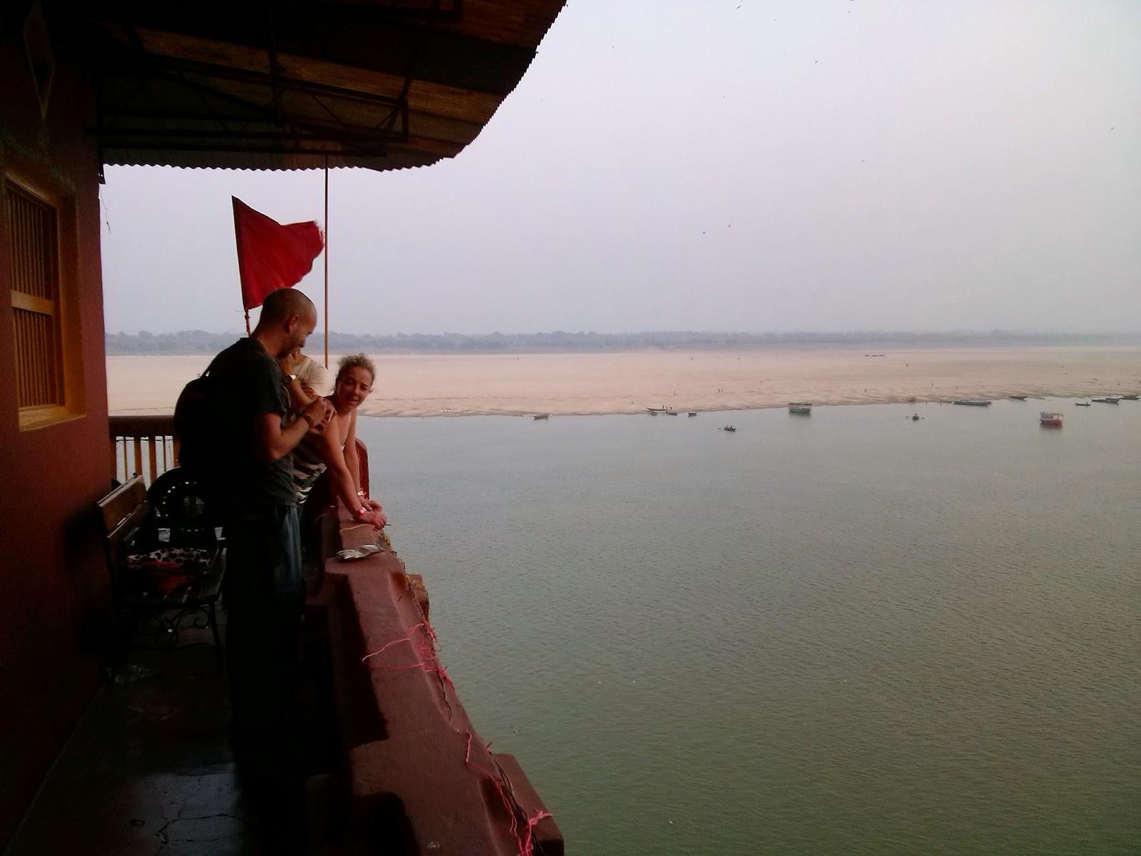 Viaje a India: hotel Ganpati frente al rio Ganges en Varanasi (Benares)