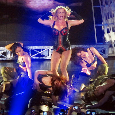 http://www.mtv.com/photos/britney-spears-brings-down-the-house-in-las-vegas/1660731/5970658/photo.jhtml