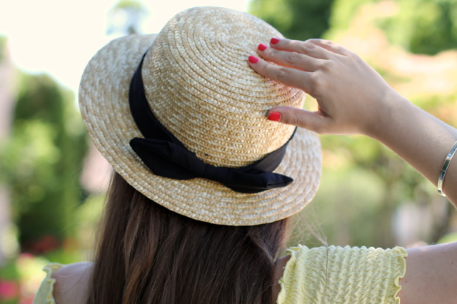 Boater hat in a retro look